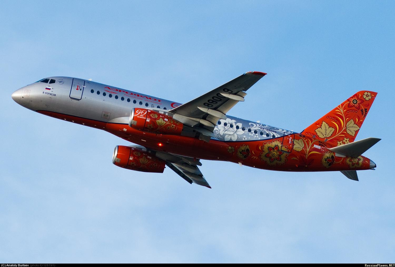 Sukhoi Superjet-100 - Хохлома в небе