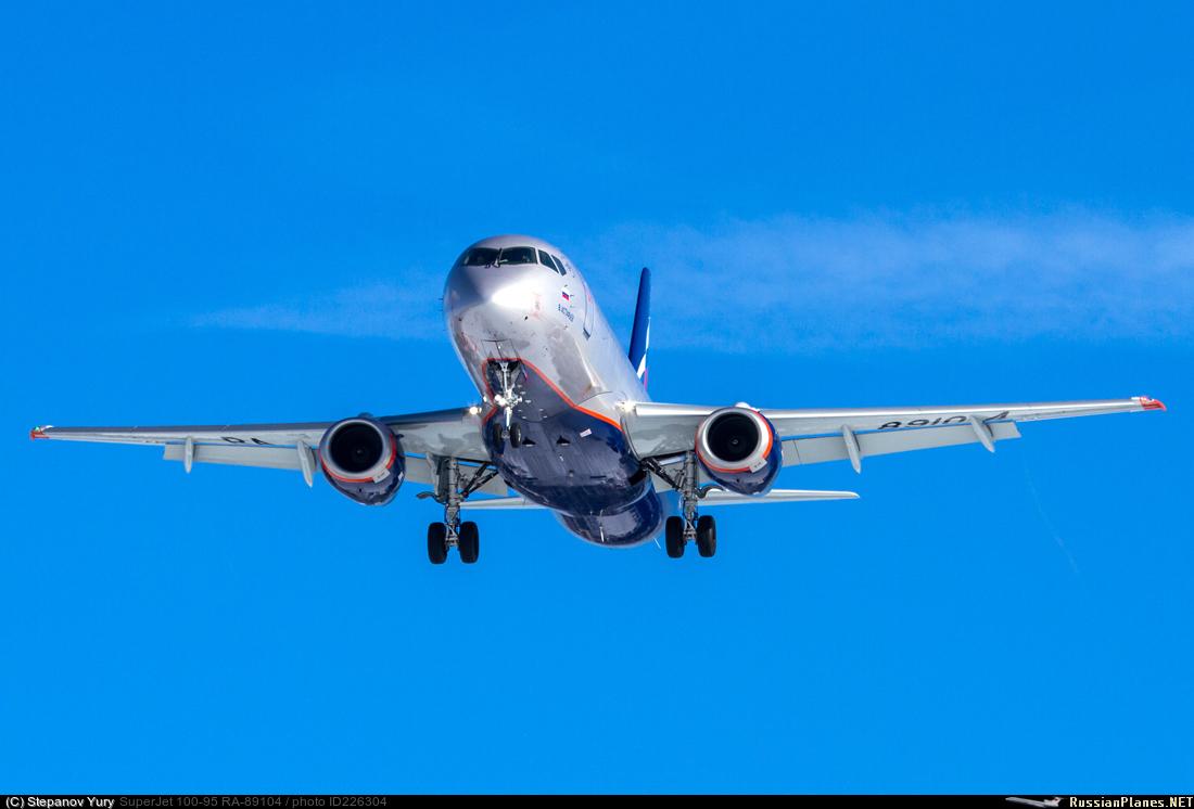 Sukhoi Superjet-100 RA-89104 (95144)