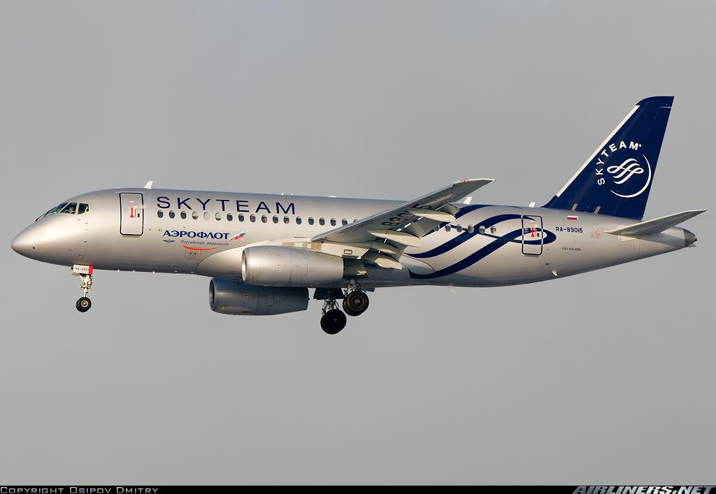 Sukhoi Superjet-100 - RA-89015 в Шереметьево
