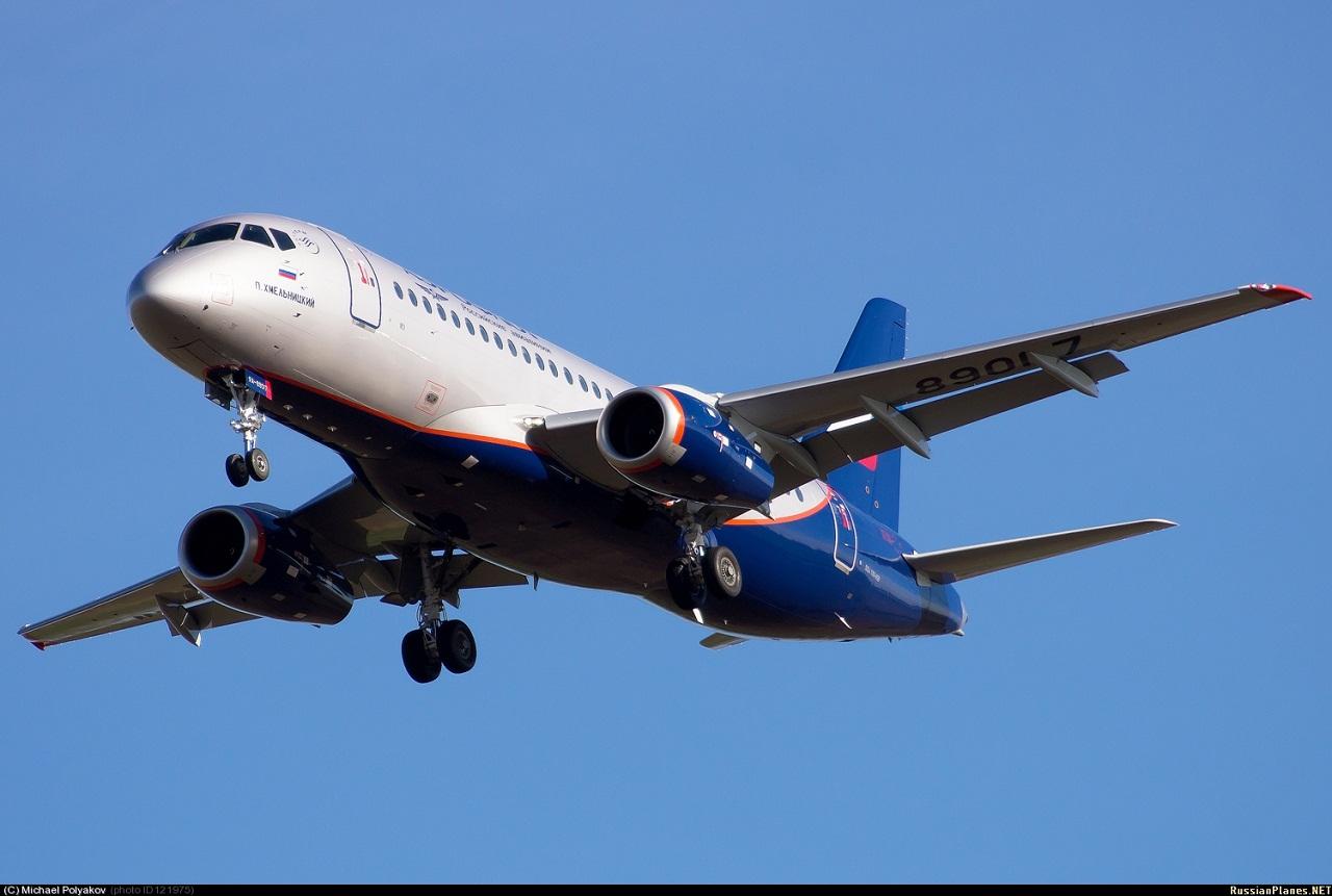 Sukhoi Superjet-100 RA-89017 (95035)