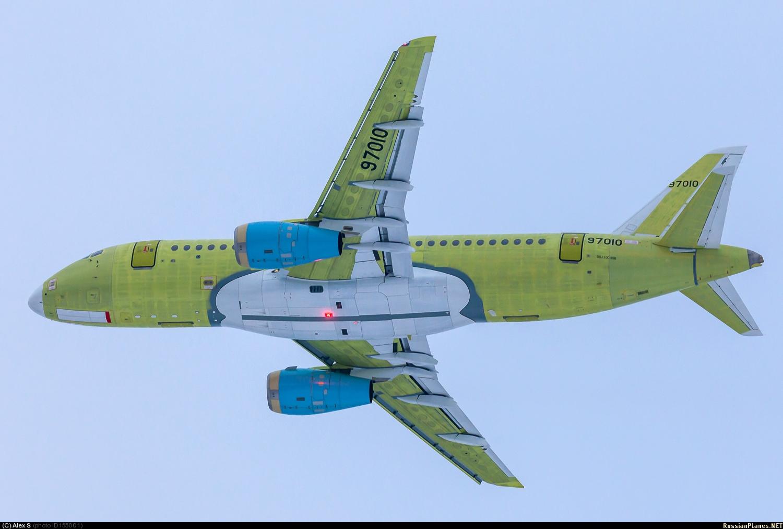 Sukhoi Superjet-100 XA-DAS (95072)