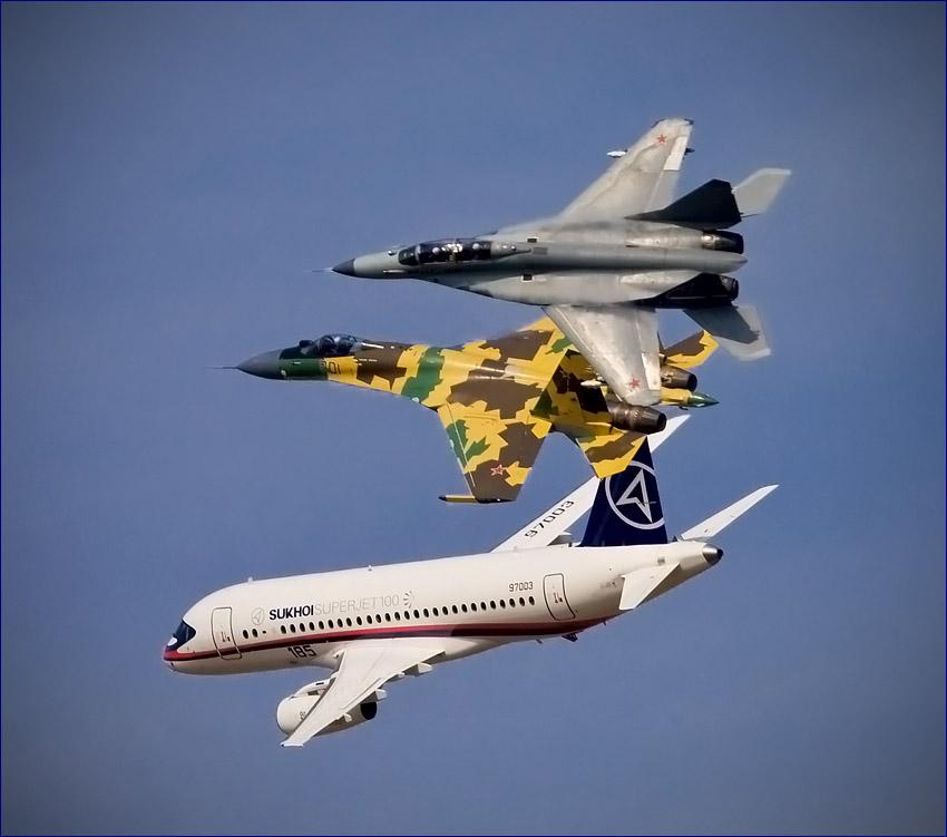 Sukhoi Superjet-100 - Су-35, Миг-35 и RRJ в групповом пилотаже
