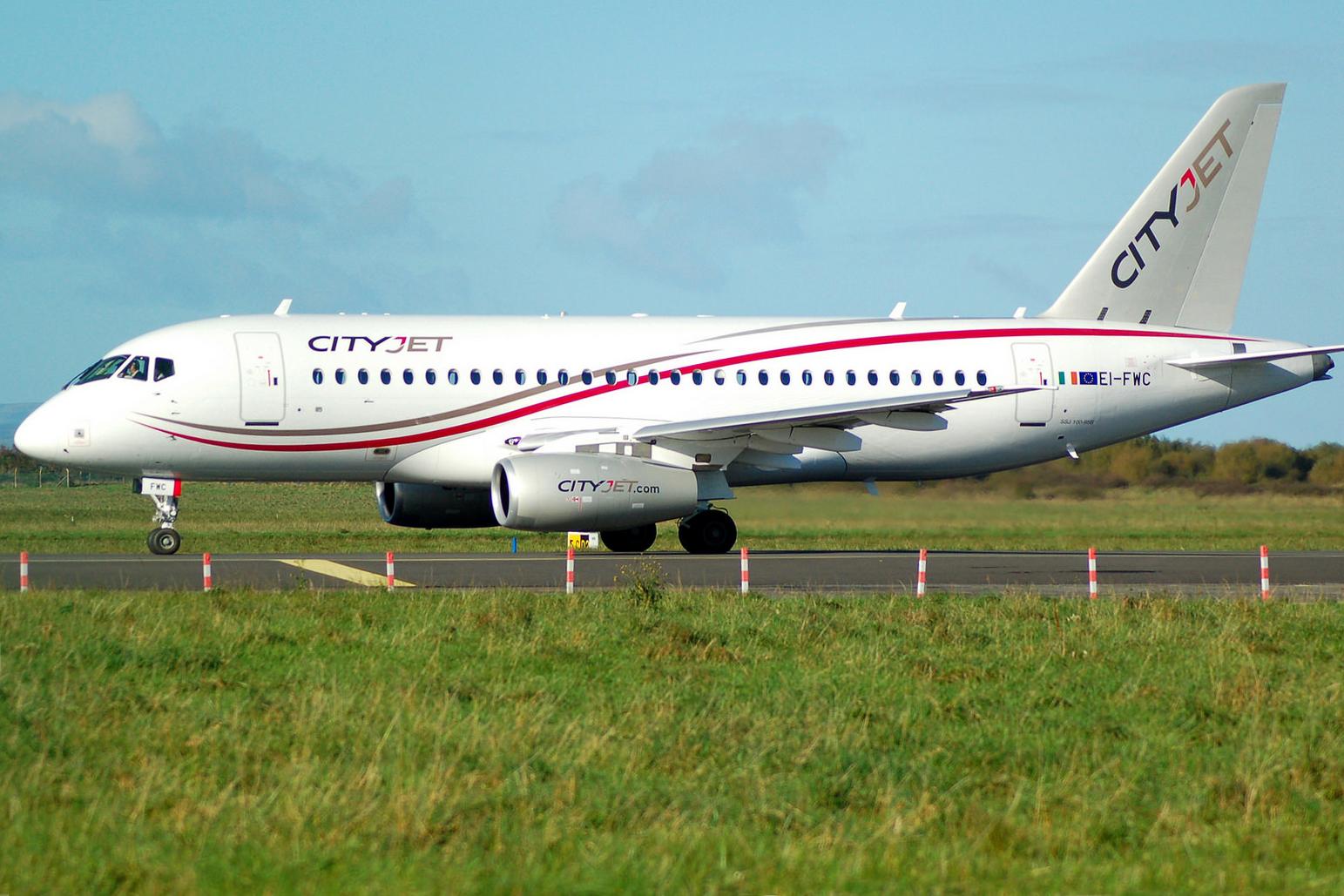 Sukhoi Superjet-100 9H-SJC (95111)