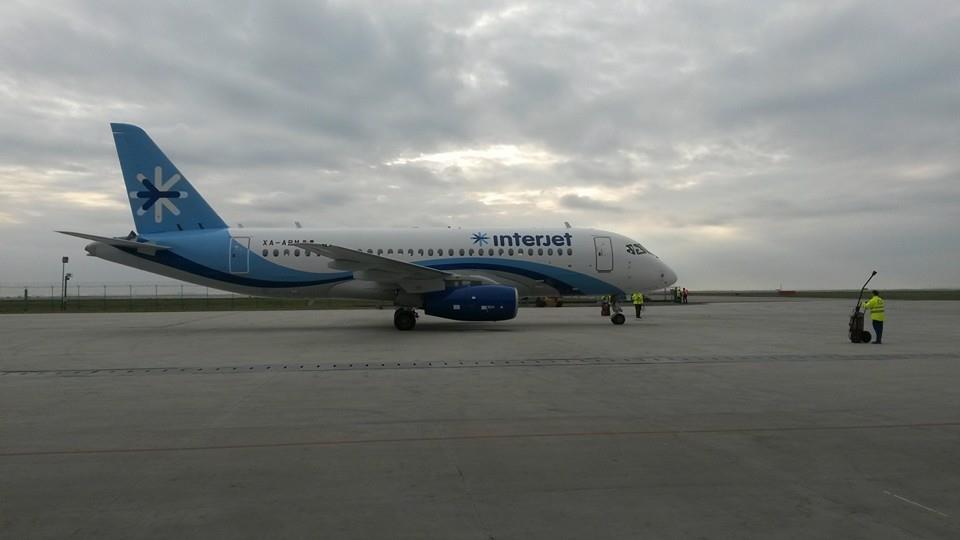 Sukhoi Superjet-100 - ХА-АВМ готовится к вылету в Мексику