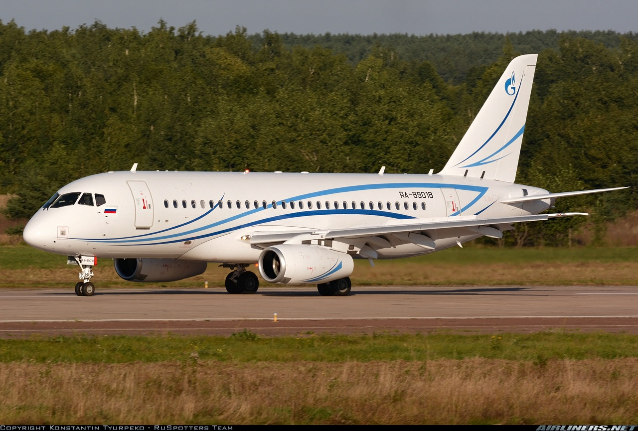 "Sukhoi Superjet-100 - RA-89018 перед передачей ""Газпром авиа"""