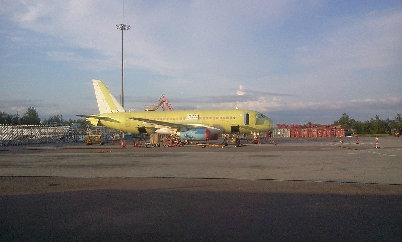 SSJ100-95LR_Gazpromavia_LIS.jpg