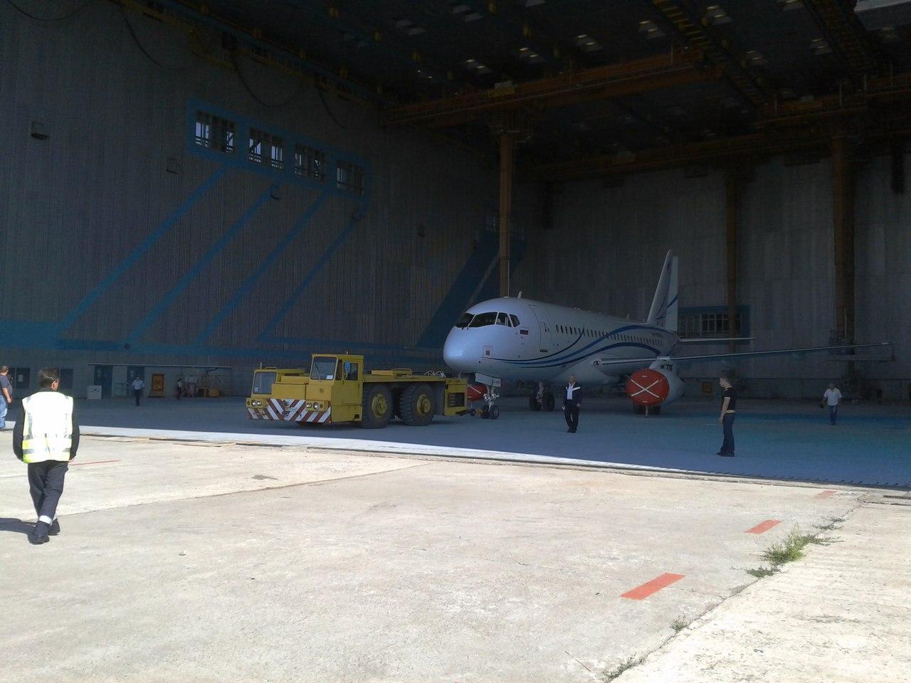 SSJ100_Gazpromavia_1.jpg