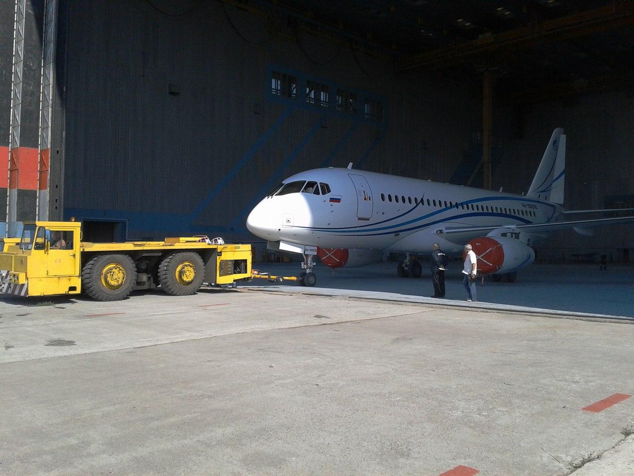 SSJ100_Gazpromavia_2.jpg