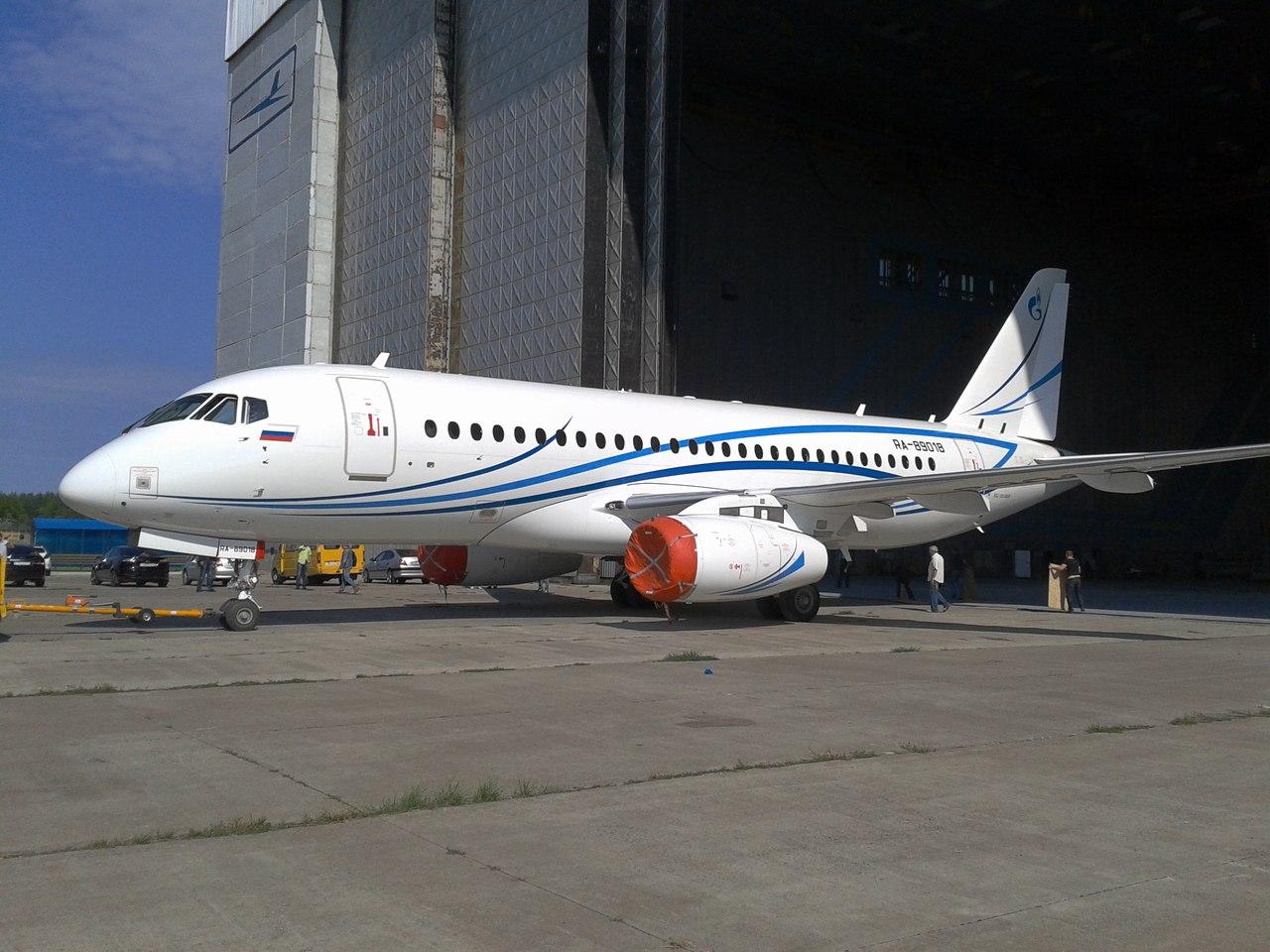 SSJ100_Gazpromavia_3.jpg