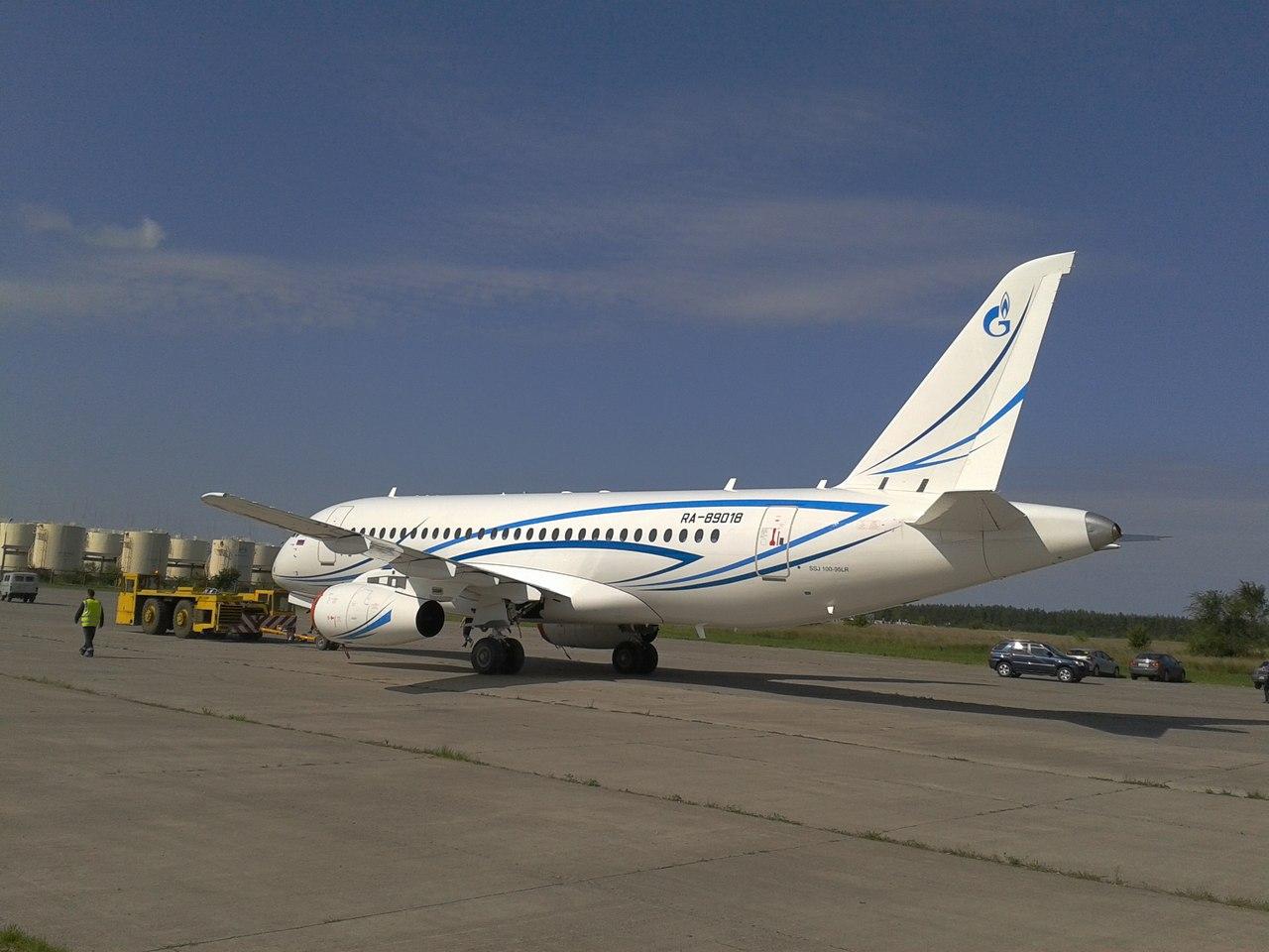 SSJ100_Gazpromavia_5.jpg