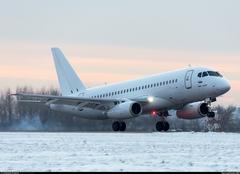 Sukhoi Superjet-100 - Белый лебедь